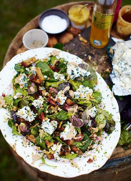 roquefort-salad-with-warm-croutons-and-lardons-jamie-oliver